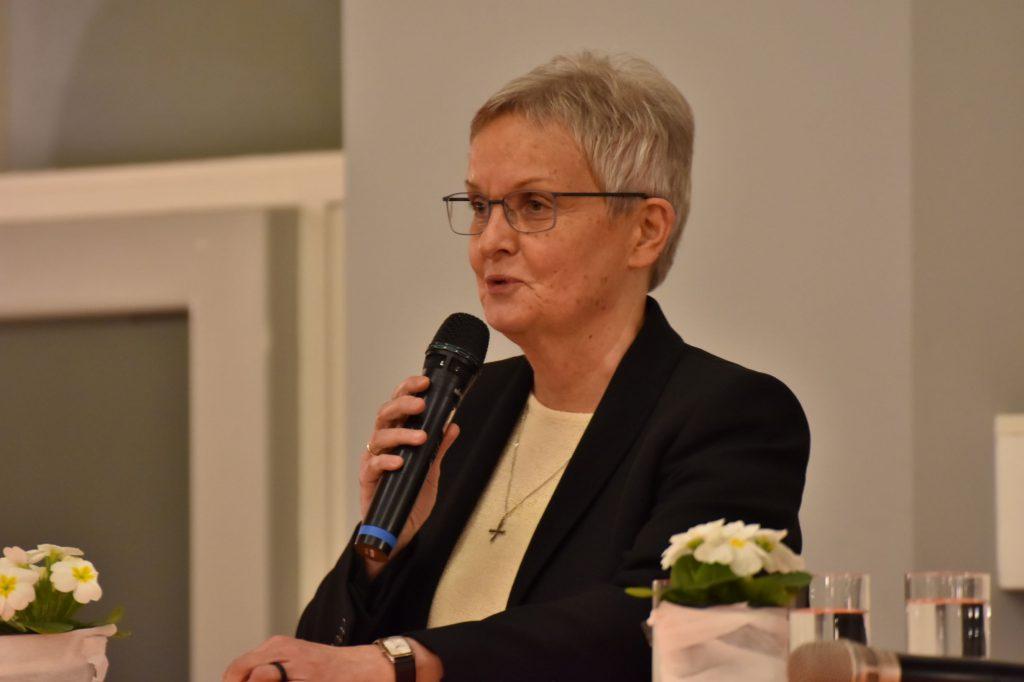 Edith-Maria Magar, Generaloberin der Waldbreitbacher Franziskanerinnen